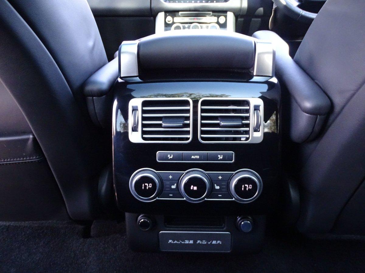 2016 Land Rover  RANGE ROVER  4.4 SDV8 VOGUE SE 2017 MODEL EU6 8  For Sale (picture 16 of 24)