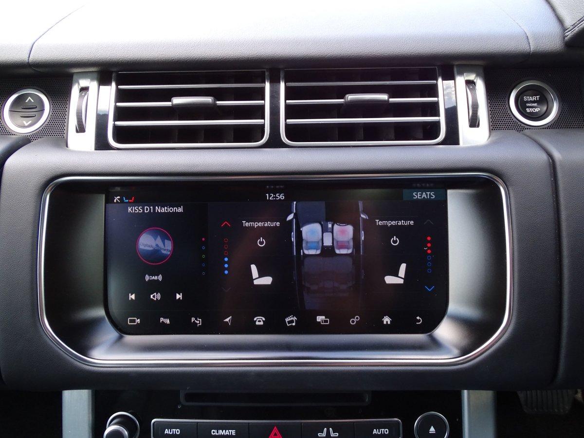 2016 Land Rover  RANGE ROVER  4.4 SDV8 VOGUE SE 2017 MODEL EU6 8  For Sale (picture 21 of 24)
