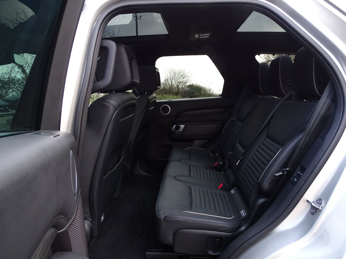 2018 Land Rover  DISCOVERY  3.0 TD6 HSE LUXURY 7 SEATER 8 SPEED A For Sale (picture 12 of 24)