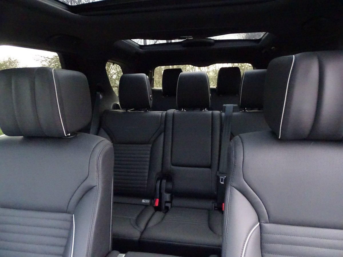 2018 Land Rover  DISCOVERY  3.0 TD6 HSE LUXURY 7 SEATER 8 SPEED A For Sale (picture 15 of 24)