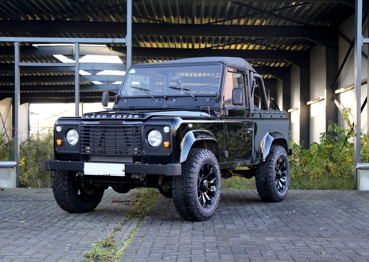 1987 Land-Rover Defender 90 V8 17 Jan 2020 For Sale by Auction (picture 2 of 6)
