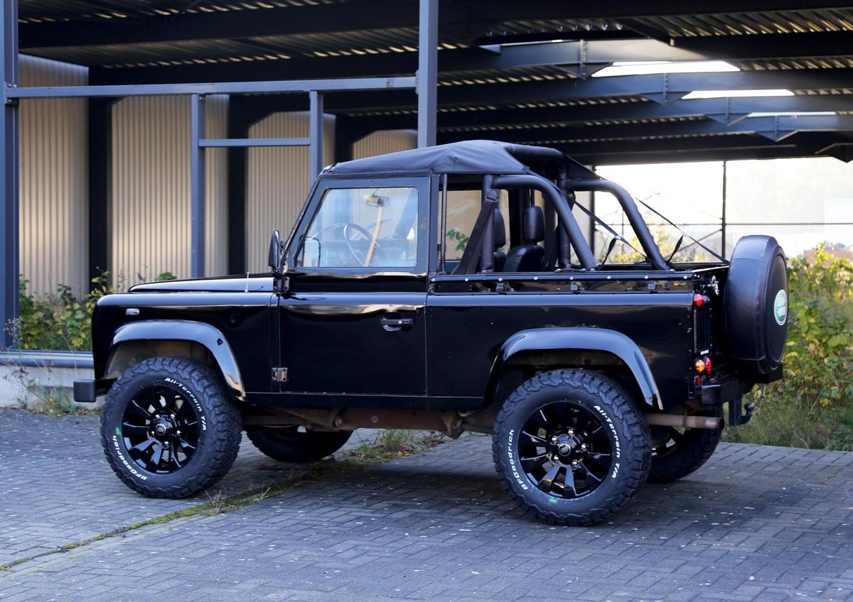 1987 Land-Rover Defender 90 V8 17 Jan 2020 For Sale by Auction (picture 3 of 6)