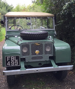 1949 Land rover series 1 80 lights behind the gril