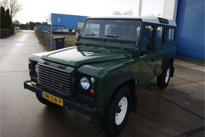 2002 Land Rover Defender 110 with aircon, like new LHD
