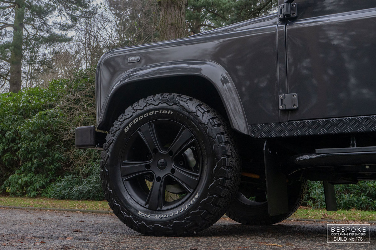 2013 Bespoke Land Rover Defender 110 LS3  V8 Auto Station Wagon For Sale (picture 3 of 6)