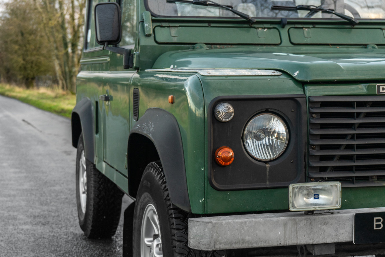 1998 Land Rover Defender 90 Station Wagon LEFT HAND DRIVE For Sale (picture 2 of 6)