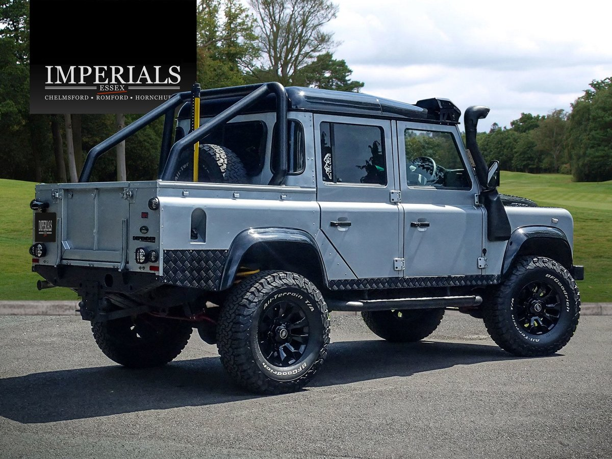 2010 Land Rover  DEFENDER 110  2.4 TDI COUNTY DOUBLE CAB PICK UP  For Sale (picture 4 of 24)