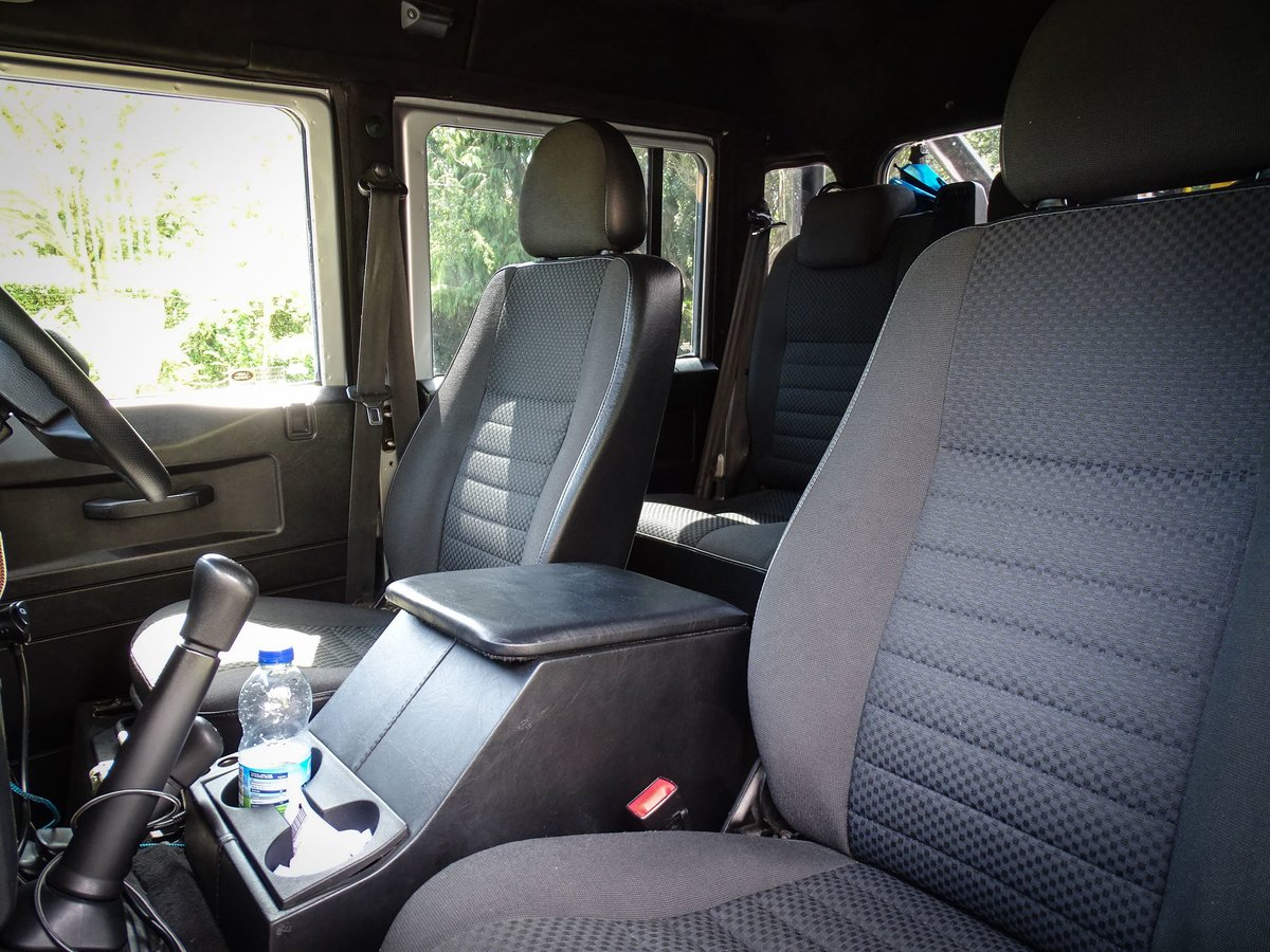 2010 Land Rover  DEFENDER 110  2.4 TDI COUNTY DOUBLE CAB PICK UP  For Sale (picture 14 of 24)