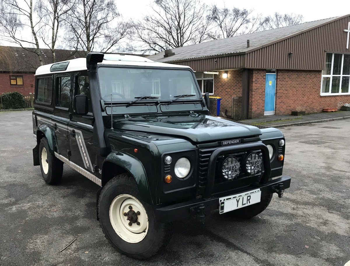 1994 DEFENDER 110 COUNTY SW 300 Tdi 12 SEATER **USA EXPORTABLE** For Sale (picture 1 of 6)