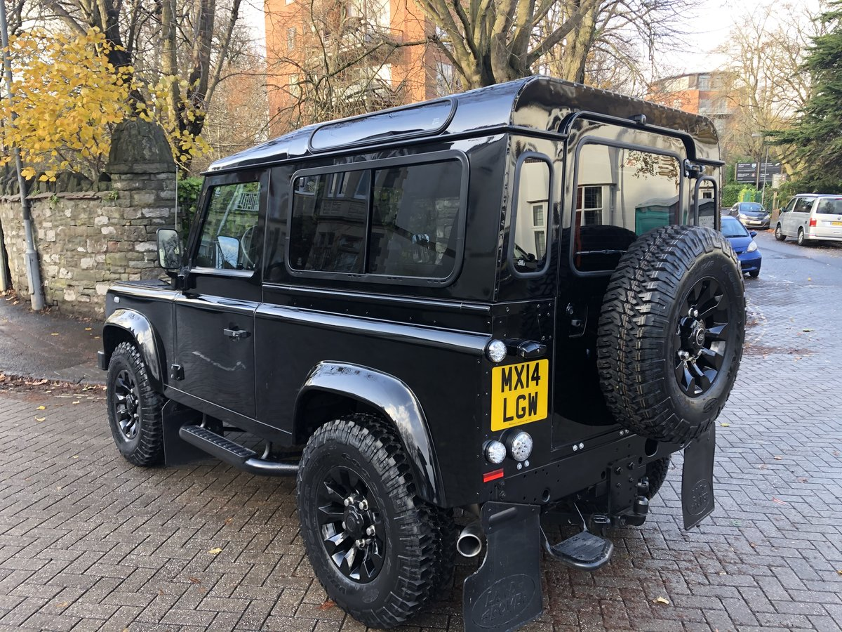 2014 Defender 90 XS Factory Left Hand Drive Black Pack ONE OWNER For Sale (picture 4 of 6)