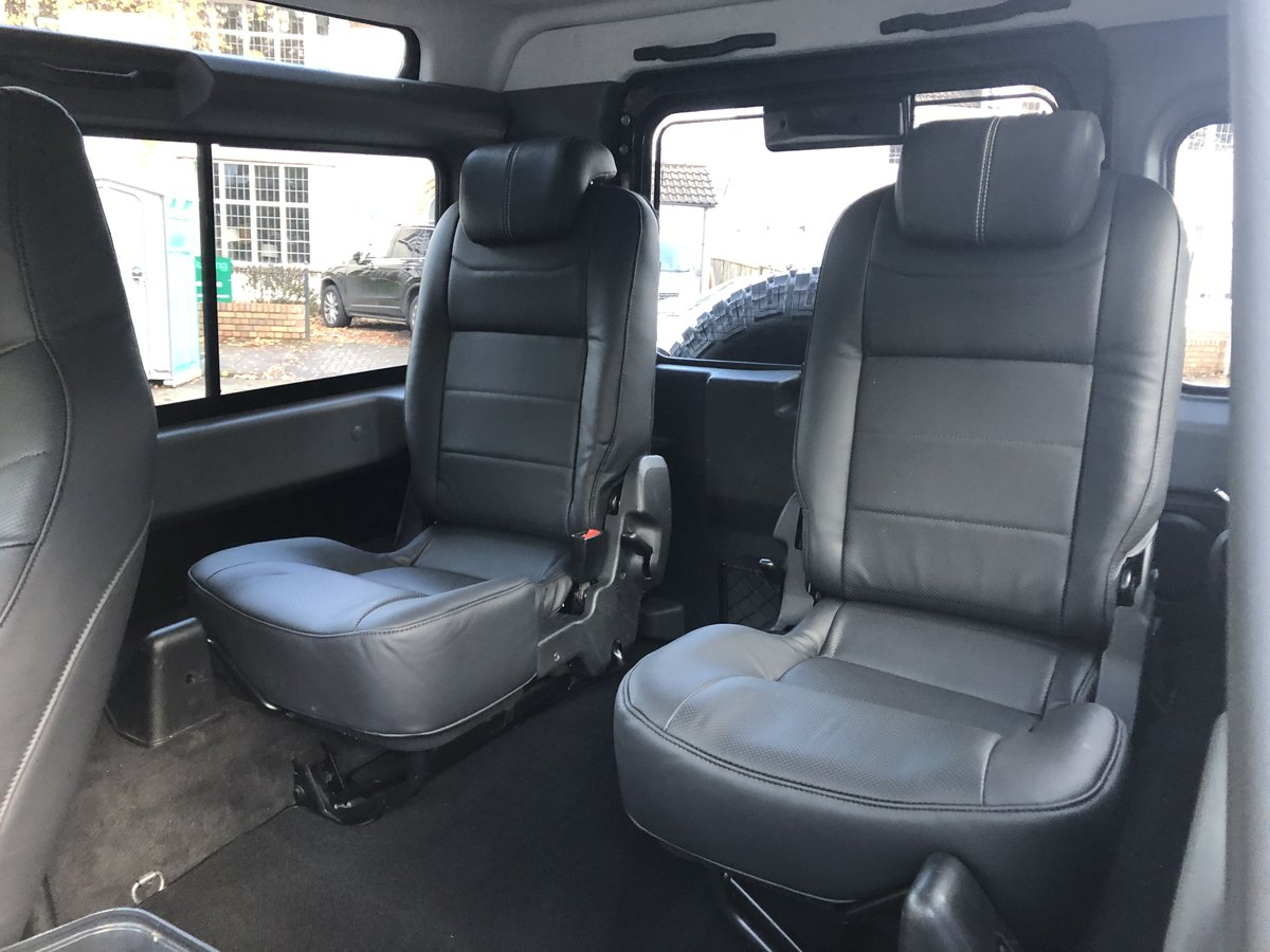 2014 Defender 90 XS Factory Left Hand Drive Black Pack ONE OWNER For Sale (picture 5 of 6)