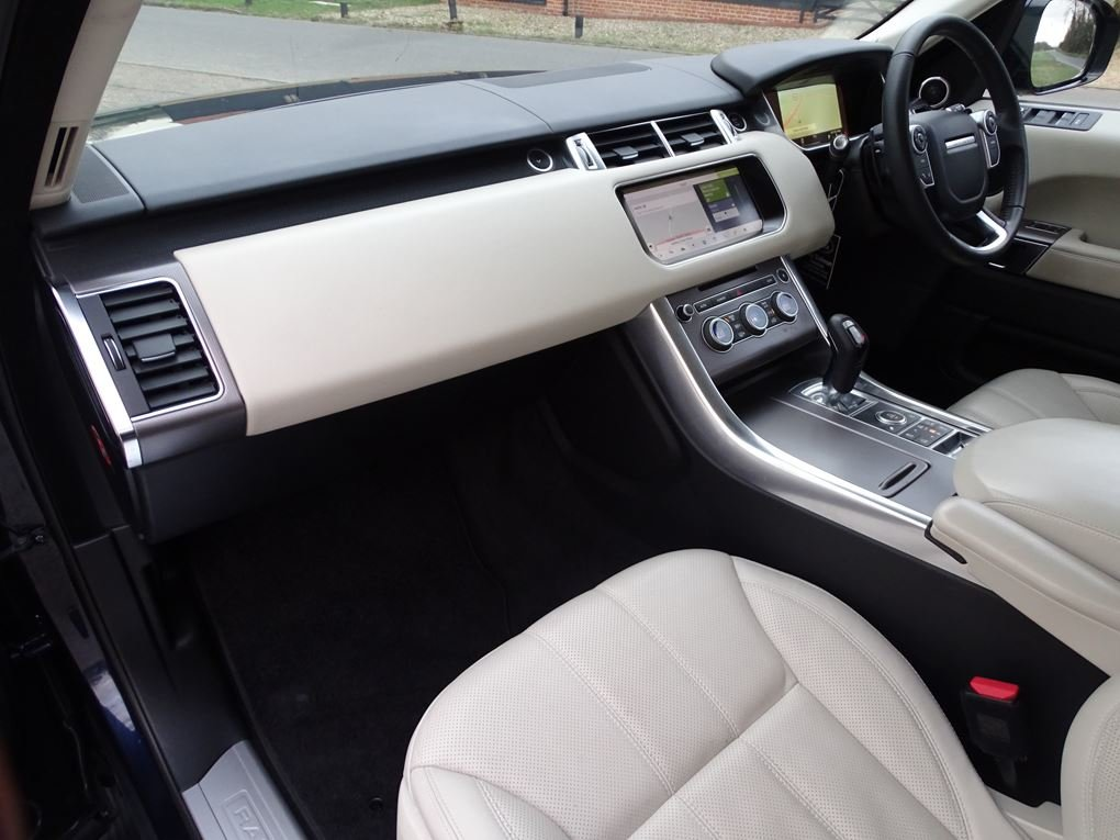 Land Rover  RANGE ROVER SPORT  3.0 SDV6 HSE 2017 MODEL EU6 8 For Sale (picture 12 of 24)