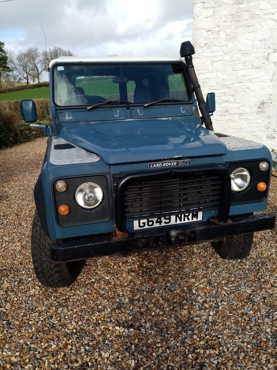 1990 Land Rover Defender AUTHENTIC EXTERIOR. NEW ENGINE For Sale (picture 6 of 6)