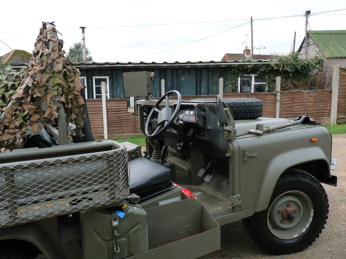 1991 Land Rover Defender 90 Pathfinder LRPV For Sale (picture 3 of 6)