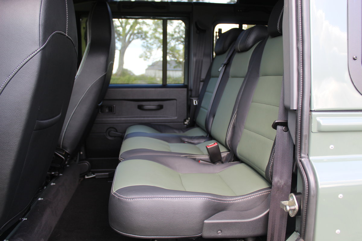 2015 Land Rover Defender 110 XS 2.2 165bhp Urban Truck For Sale (picture 4 of 5)