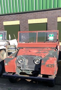 "1951-1958 Land Rover Series One 80"" & 88'' Lights Through Th For Sale"