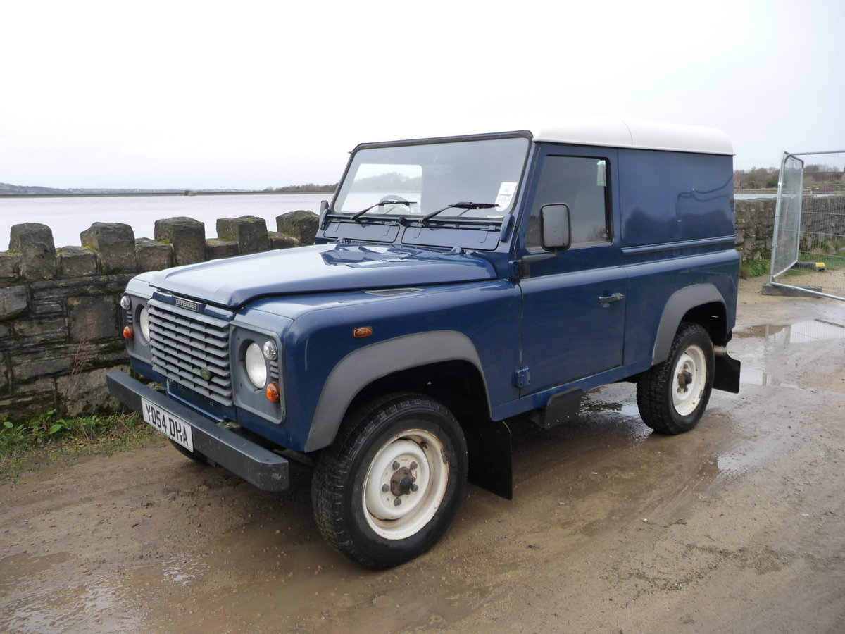 2004 LAND ROVER DEFENDER 90 – 46,000 MILES ! SOLD (picture 1 of 7)