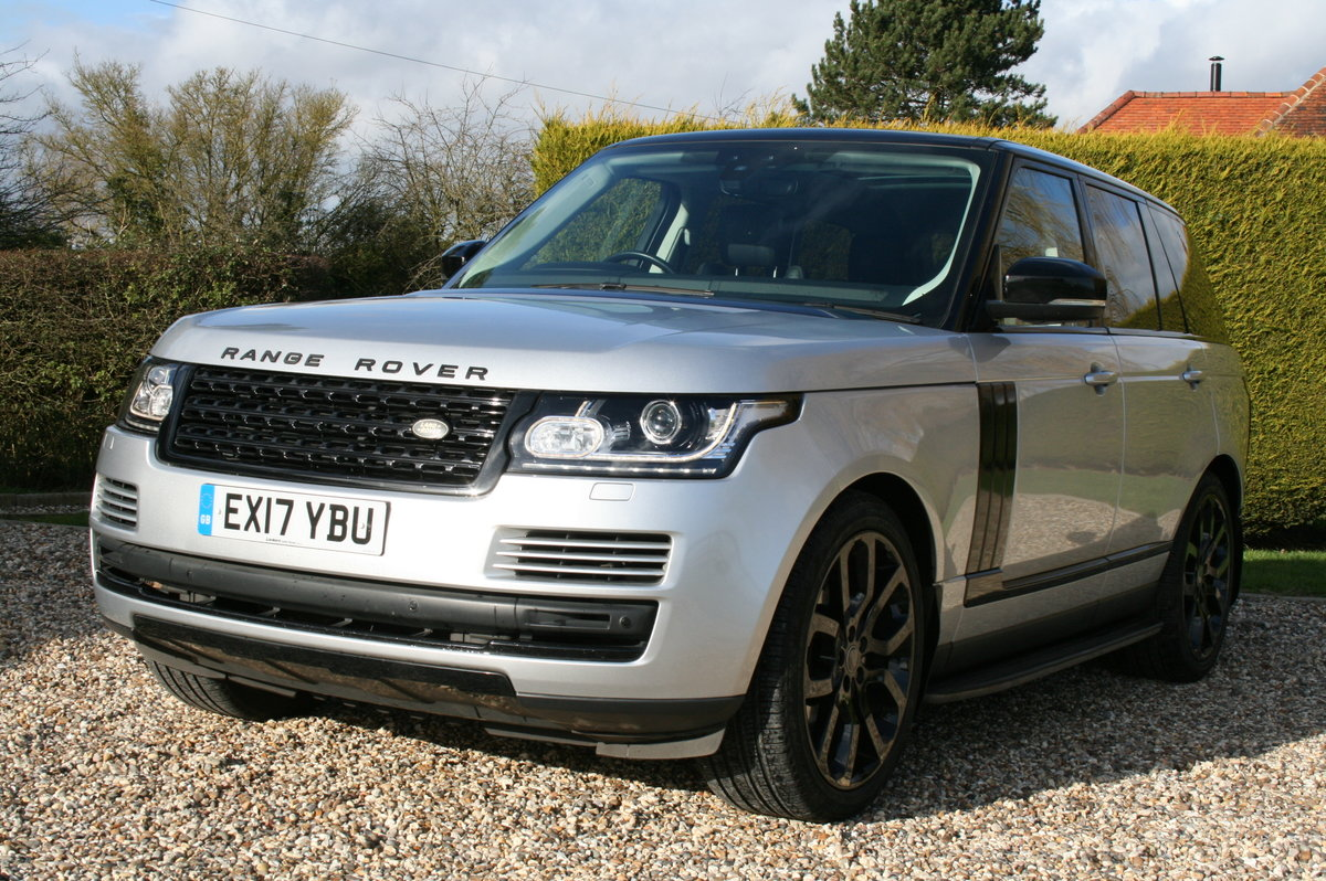 2017 Range Rover Vogue 3.0 TD V6 Auto Superb Throughout For Sale (picture 1 of 6)