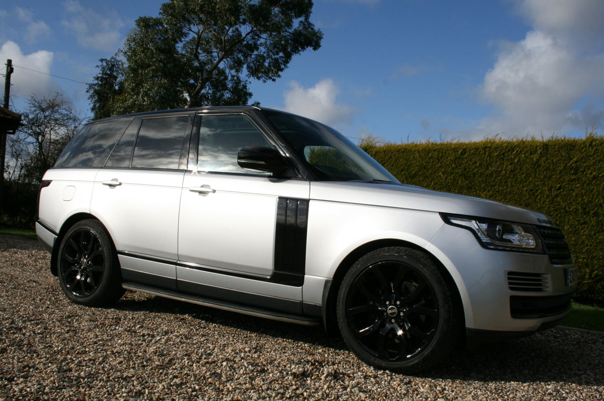 2017 Range Rover Vogue 3.0 TD V6 Auto Superb Throughout For Sale (picture 2 of 6)