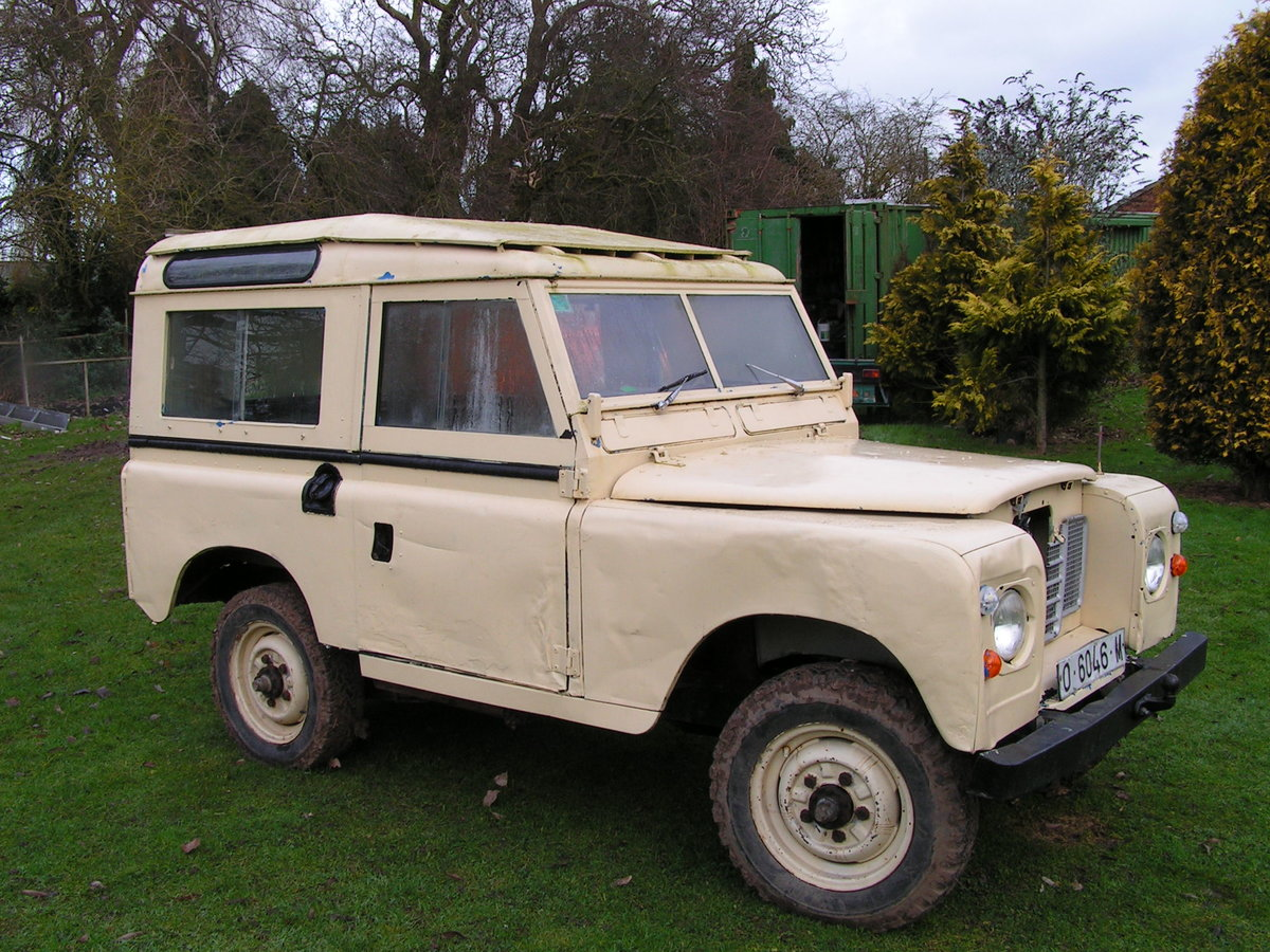 1977 Lhd land rover santana diesel series 3 88 inch swb For Sale (picture 1 of 6)
