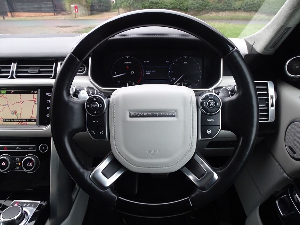 2015 Land Rover  RANGE ROVER  4.4 SDV8 AUTOBIOGRAPHY AUTO  34,948 For Sale (picture 7 of 24)