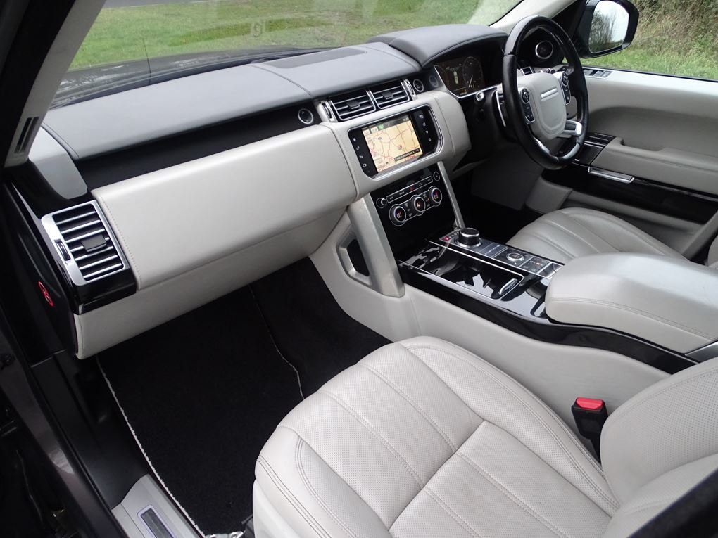 2015 Land Rover  RANGE ROVER  4.4 SDV8 AUTOBIOGRAPHY AUTO  34,948 For Sale (picture 13 of 24)