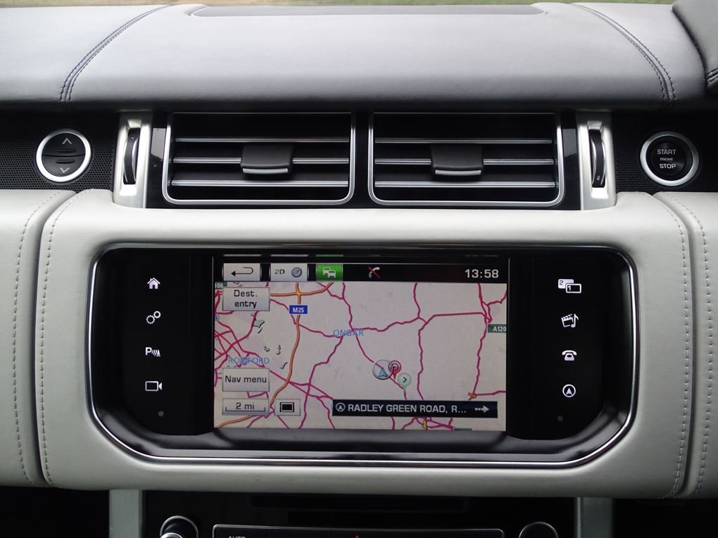 2015 Land Rover  RANGE ROVER  4.4 SDV8 AUTOBIOGRAPHY AUTO  34,948 For Sale (picture 15 of 24)