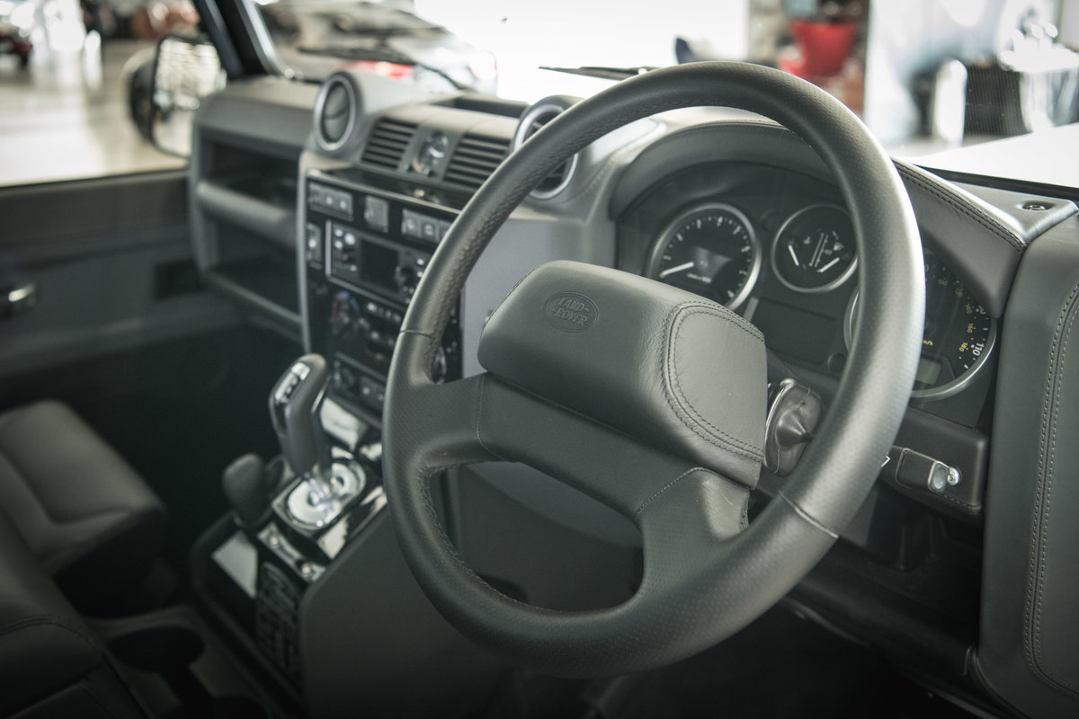 2013 Land Rover Defender 90 Works V8 70th Edition For Sale (picture 5 of 6)