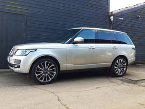2014 RANGE ROVER 4.4 SD V8 Autobiography ( HUGE SPEC: 1 Owner )
