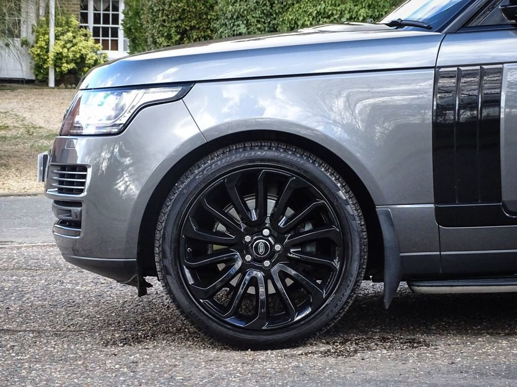 Land Rover  RANGE ROVER  3.0 TDV6 VOGUE 2017 MODEL 8 SPEED A For Sale (picture 8 of 24)