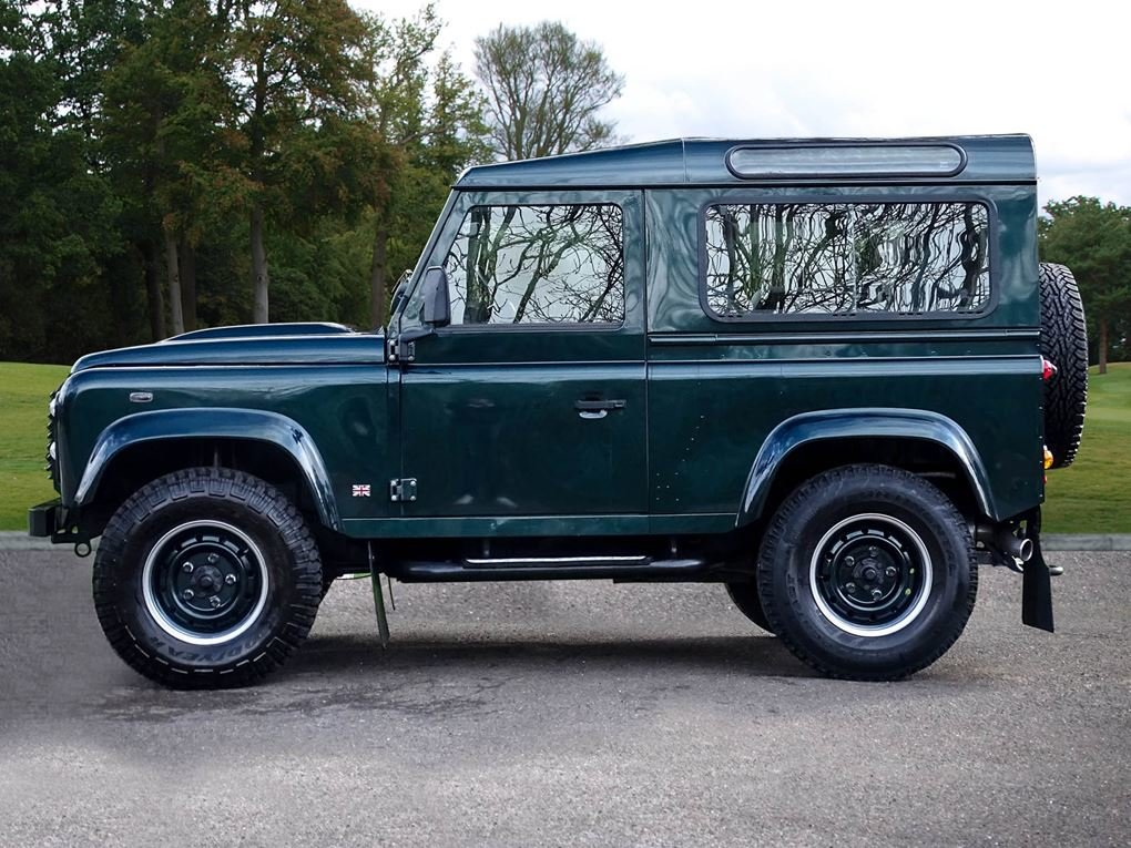 Land Rover  DEFENDER 90  TD XS STATION WAGON NO VAT 2012 MOD For Sale (picture 2 of 18)