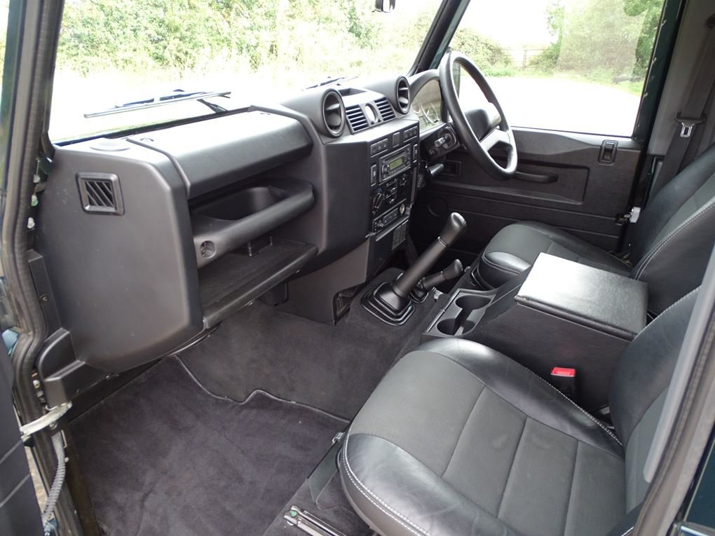 Land Rover  DEFENDER 90  TD XS STATION WAGON NO VAT 2012 MOD For Sale (picture 3 of 18)