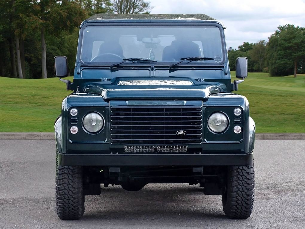 Land Rover  DEFENDER 90  TD XS STATION WAGON NO VAT 2012 MOD For Sale (picture 8 of 18)