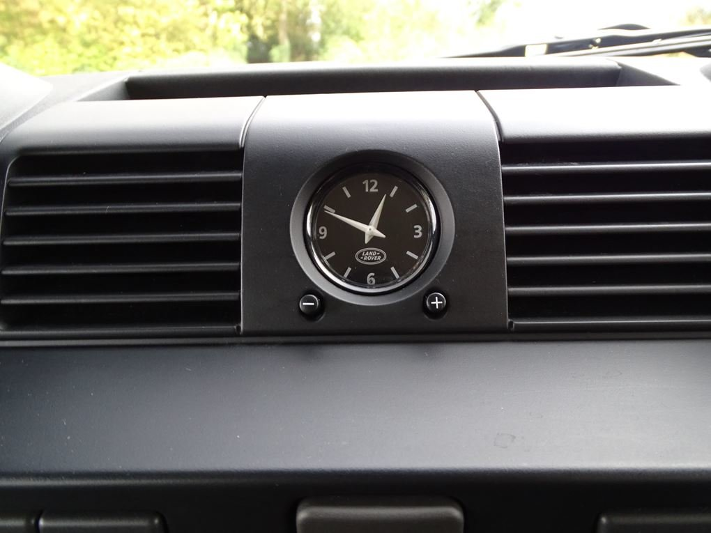 Land Rover  DEFENDER 90  TD XS STATION WAGON NO VAT 2012 MOD For Sale (picture 13 of 18)