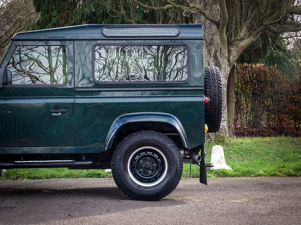 Land Rover  DEFENDER 90  TD XS STATION WAGON NO VAT 2012 MOD For Sale (picture 17 of 18)