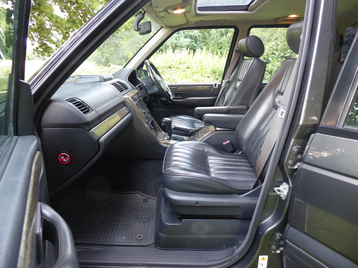 2001 Range Rover P38 Westminster Full Service History Low Miles For Sale (picture 4 of 6)