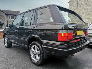 Range Rover Vogue SE - 1 of 30 cars