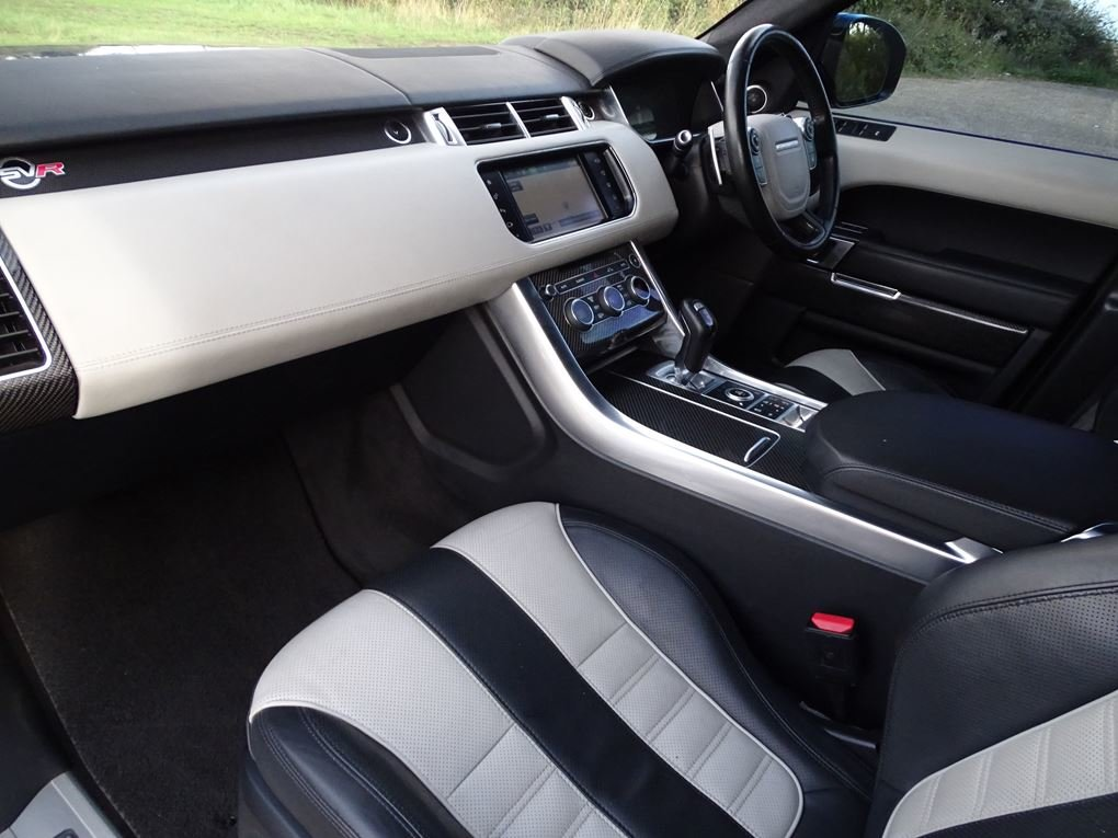 2016 Land Rover  RANGE ROVER SPORT  SVR 5.0 V8 SUPERCHARGED 8 SPE For Sale (picture 15 of 24)