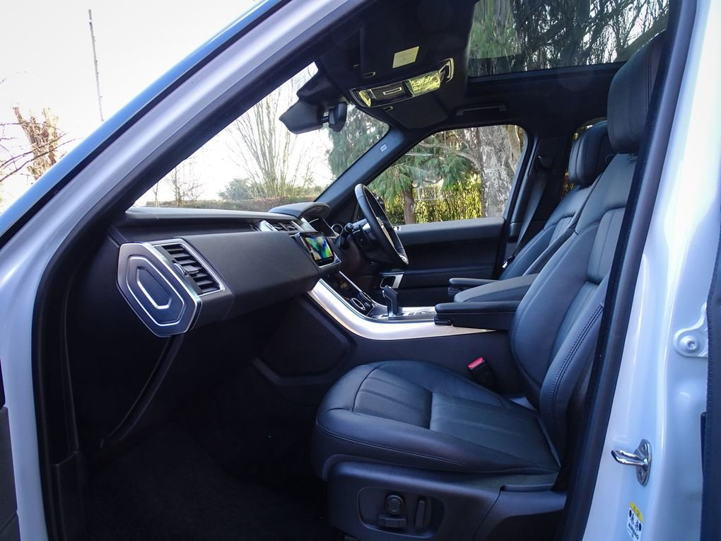 2019 Land Rover  RANGE ROVER SPORT  3.0 SDV6 HSE WITH FULL LUMMA  For Sale (picture 3 of 24)