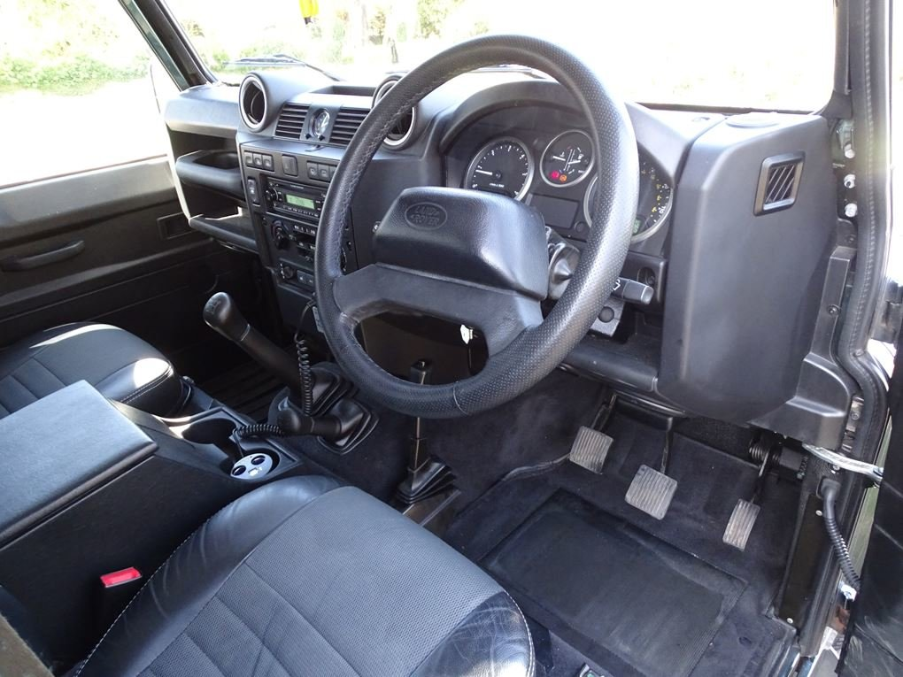 2009 Land Rover  DEFENDER  110 XS STATION WAGON  22,948 For Sale (picture 8 of 18)