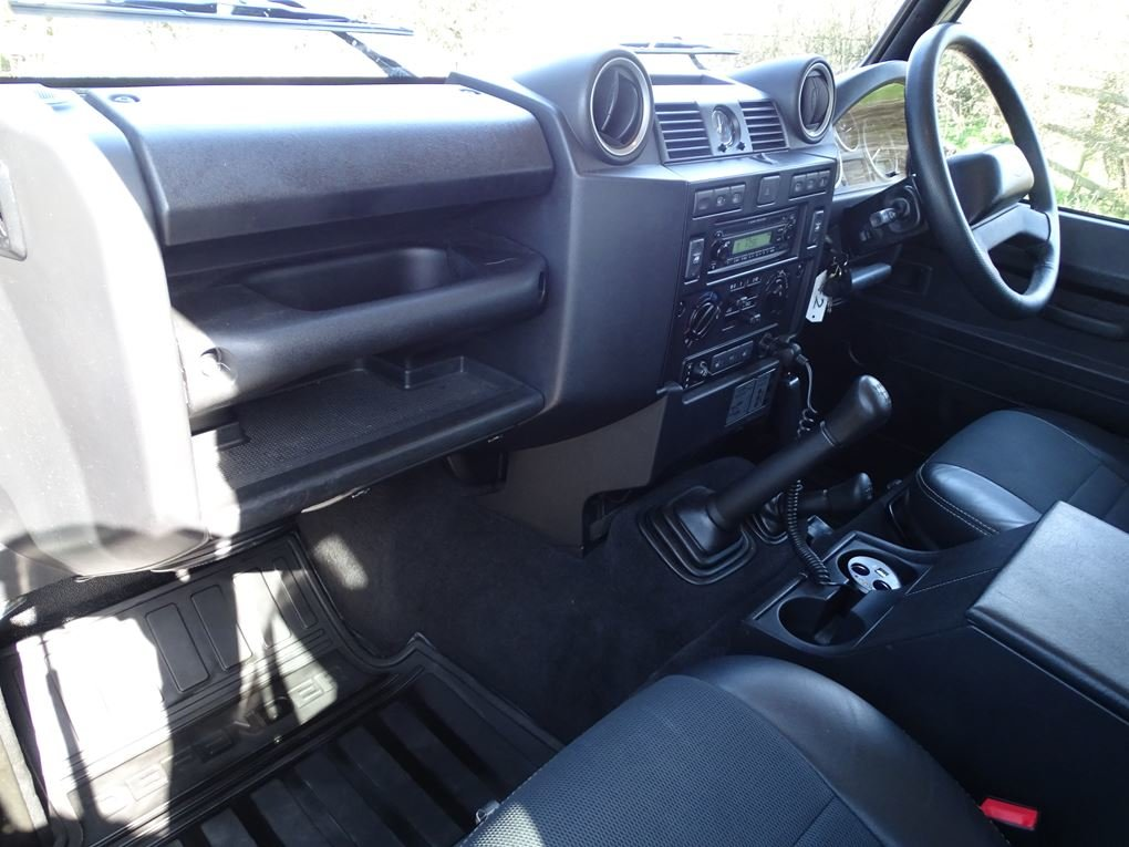2009 Land Rover  DEFENDER  110 XS STATION WAGON  22,948 For Sale (picture 11 of 18)