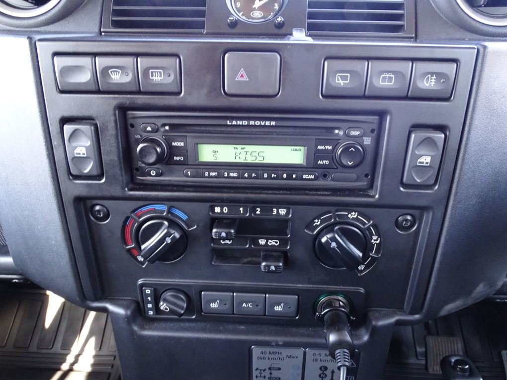 2009 Land Rover  DEFENDER  110 XS STATION WAGON  22,948 For Sale (picture 16 of 18)