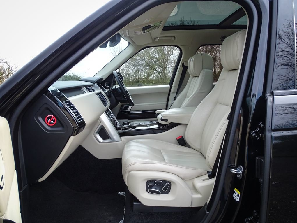 2013 Land Rover  RANGE ROVER  4.4 SDV8 AUTOBIOGRAPHY WITH EXECUTI For Sale (picture 3 of 24)