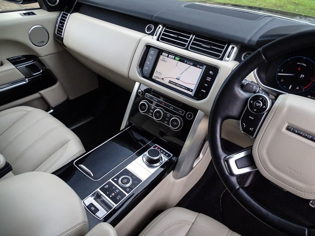 2013 Land Rover  RANGE ROVER  4.4 SDV8 AUTOBIOGRAPHY WITH EXECUTI For Sale (picture 6 of 24)