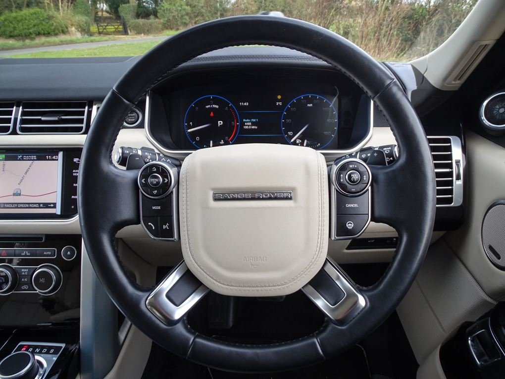 2013 Land Rover  RANGE ROVER  4.4 SDV8 AUTOBIOGRAPHY WITH EXECUTI For Sale (picture 7 of 24)
