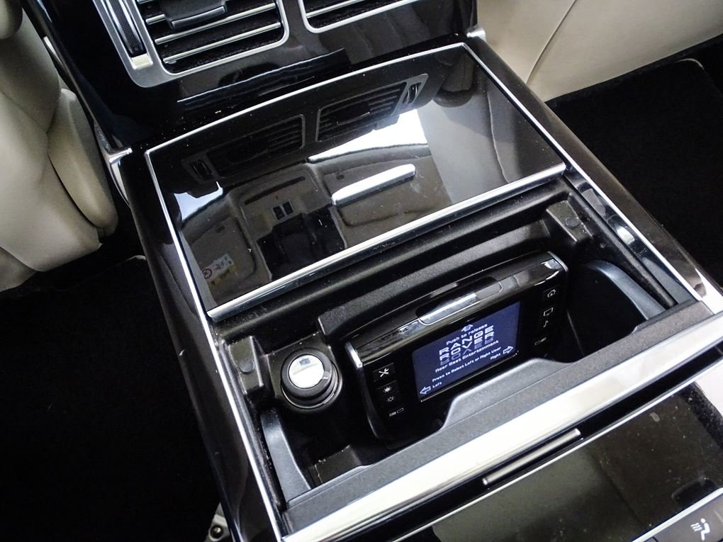 2013 Land Rover  RANGE ROVER  4.4 SDV8 AUTOBIOGRAPHY WITH EXECUTI For Sale (picture 18 of 24)