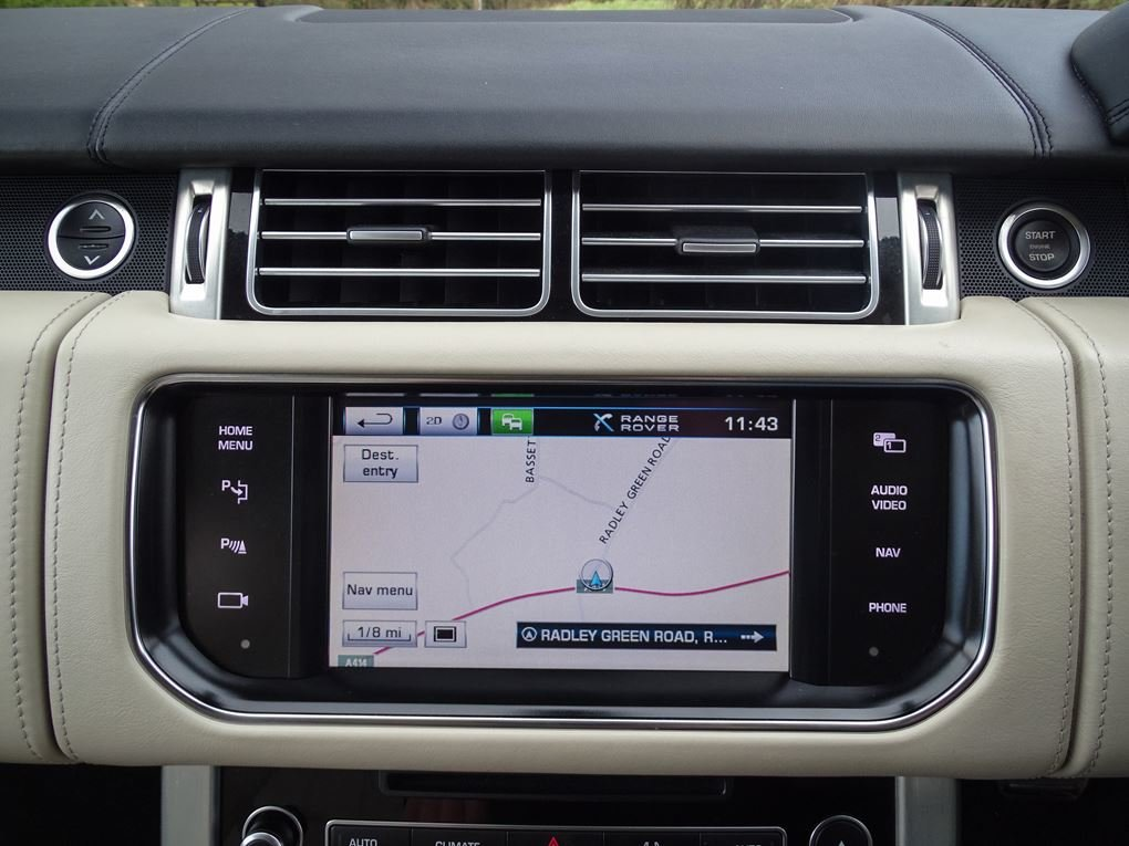 2013 Land Rover  RANGE ROVER  4.4 SDV8 AUTOBIOGRAPHY WITH EXECUTI For Sale (picture 19 of 24)