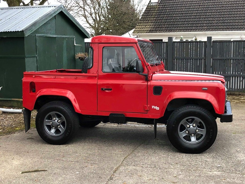 2000 Land Rover Defender 90 TD5 County Bespoke For Sale (picture 2 of 6)