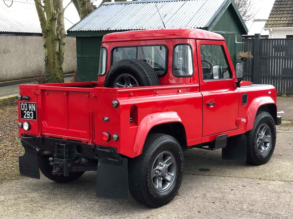 2000 Land Rover Defender 90 TD5 County Bespoke For Sale (picture 3 of 6)