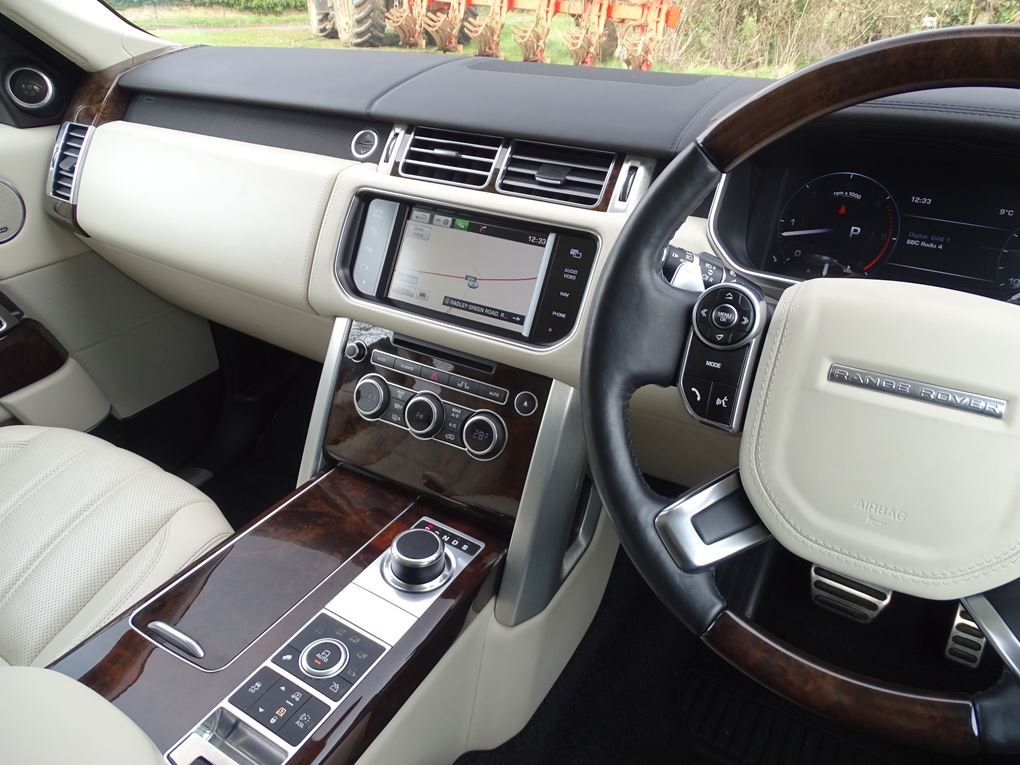2014 Land Rover  RANGE ROVER  4.4 SDV8 AUTOBIOGRAPHY 8 SPEED AUTO For Sale (picture 6 of 24)
